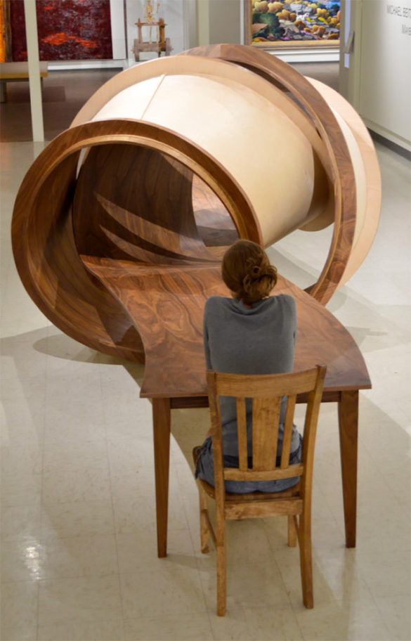 Michael Beitz - irodai asztal