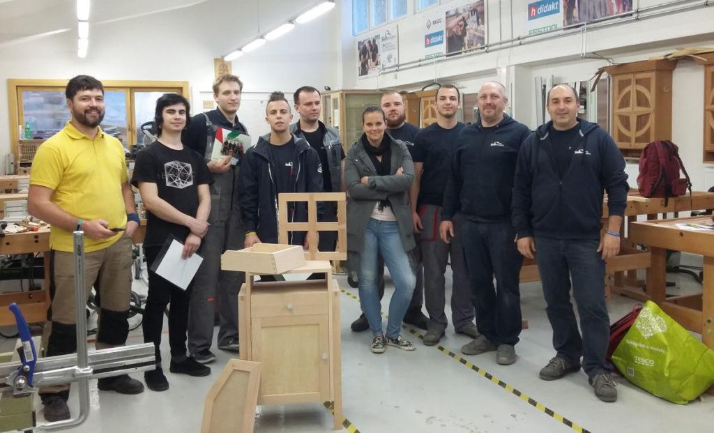 Az orosz csapat a magyar versenyzőkkel és felkészítőikkel