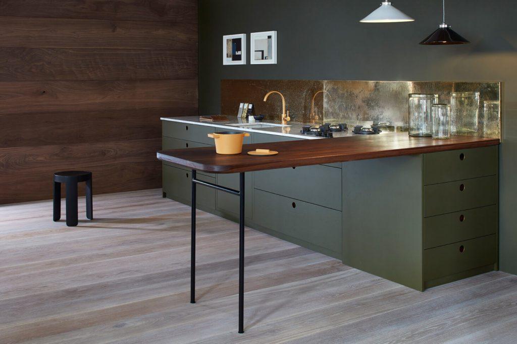 Naked kitchens